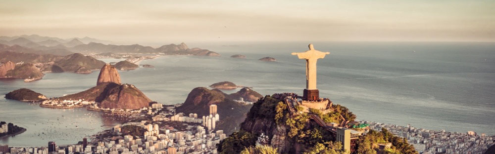Christ the Redeemer Tour | a local's guide to Rio de Janeiro, Brazil