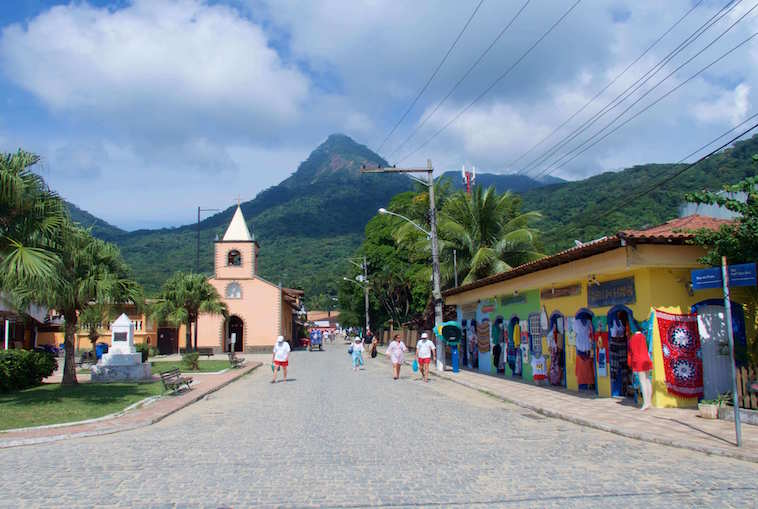 Downtown Abrãao Village